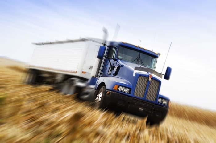 servizi per camion, rifacimento sottotetti, modifica sedili in pelle